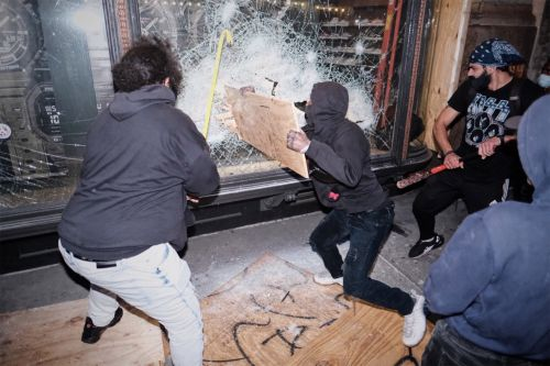How NYC looters pull off 'well organized' scheme to target high-end stores
