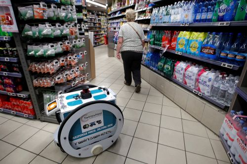 May the shopping be with you: French store tests droid delivery