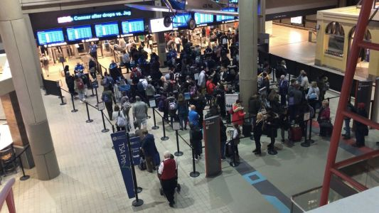 About 40,000 passengers pack Pittsburgh International Airport on 'busiest' Thanksgiving travel day