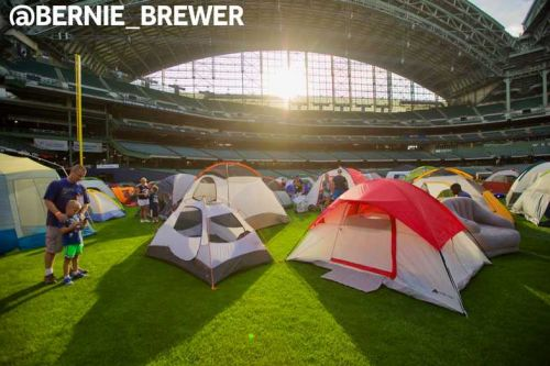Brewers host sleepover for fans at Miller Park