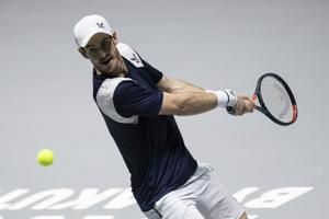 Andy Murray wins in his return to the Davis Cup