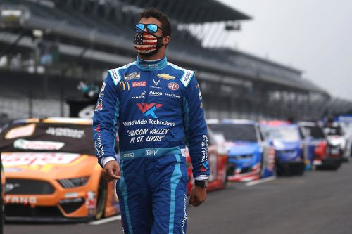 Bubba Wallace signs endorsement deal with Beats by Dre