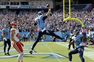 Titans start fast, simply dominate Mahomes, Chiefs 27-3