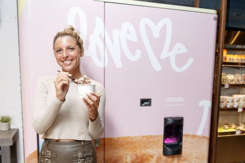 This ice cream vending machine squirts out Instagram food porn