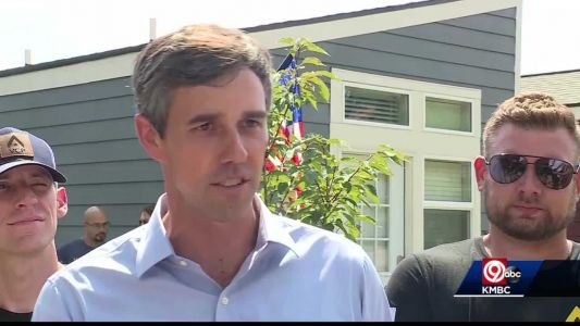 Democratic presidential candidate Beto O'Rouke tours KC's Tiny Homes