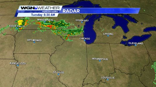 Scattered thunderstorms approaching Chicago from the northwest this Tuesday morning