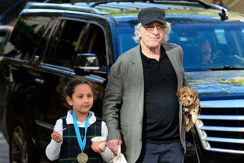 Robert De Niro steps out with his daughter amid divorce and more star snaps