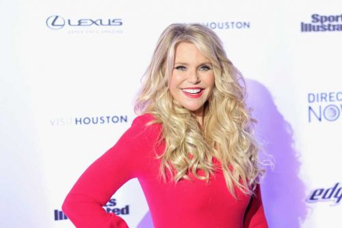 'Dancing With the Stars' replaces Christie Brinkley after injury