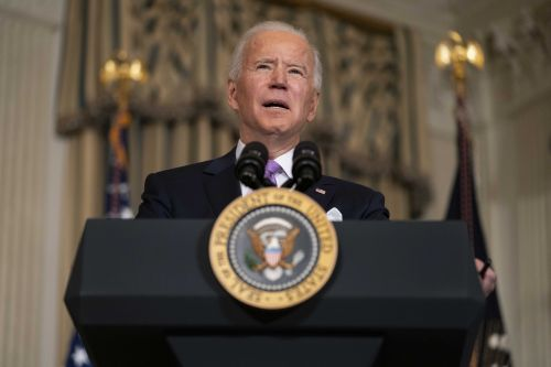 Biden dealt blow on 100-day deportation moratorium