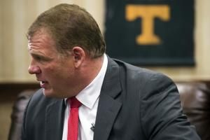 Wrestler-turned-mayor to become WWE's Kane once again