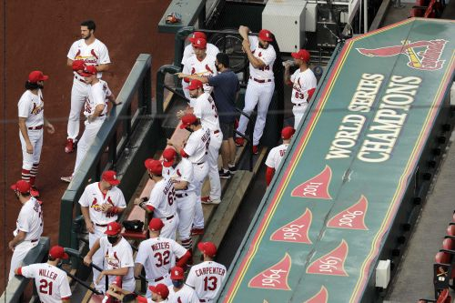 7 Cardinals, 6 staff test positive; series at Detroit off
