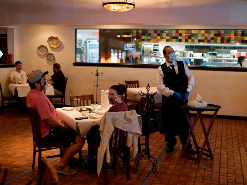 Poll finds 60% of Americans aren't ready to start dining out again, and it shows why restaurants being allowed to reopen won't prevent mass closures