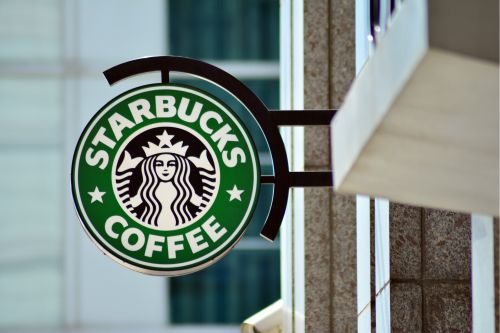 California sheriff deputies were refused service at Starbucks