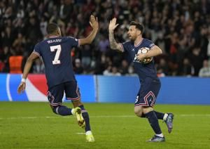 Messi scores 2 goals to rescue PSG in 3-2 win over Leipzig