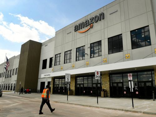 Amazon logistics salaries revealed: Here's what workers bulking out Amazon's supply chain make, from entry-level analysts to senior management
