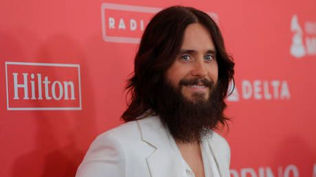 WATCH: 30 Seconds to Mars lead singer Jared Leto calls terminally ill Russian superfan after being contacted by hospice charity