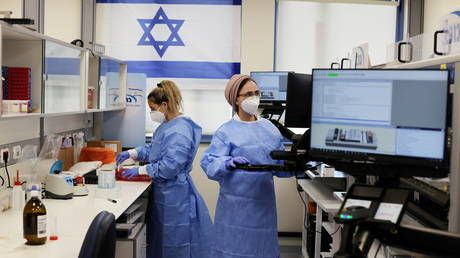 Israel reports no new Covid-19 deaths for the first time in 10 months