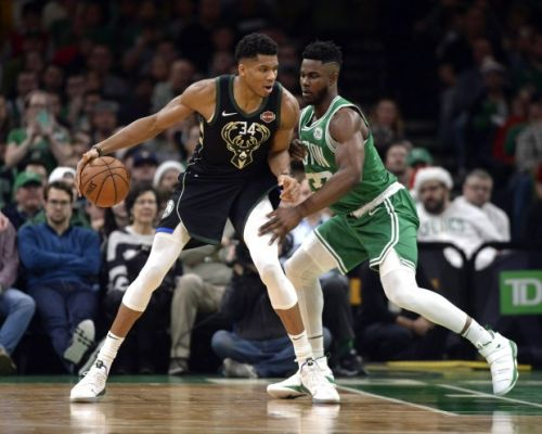 Giannis Antetokounmpo's improving jumper adds another defending dimension