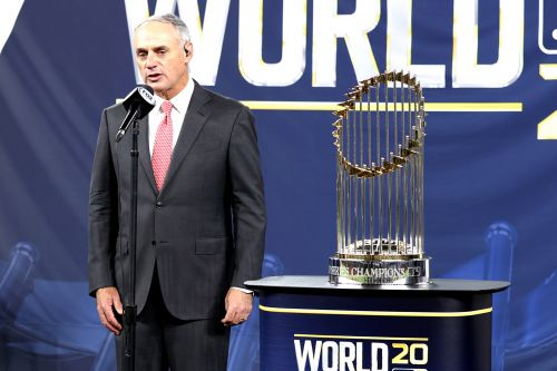 Rob Manfred was booed heartily in bizarre World Series aftermath