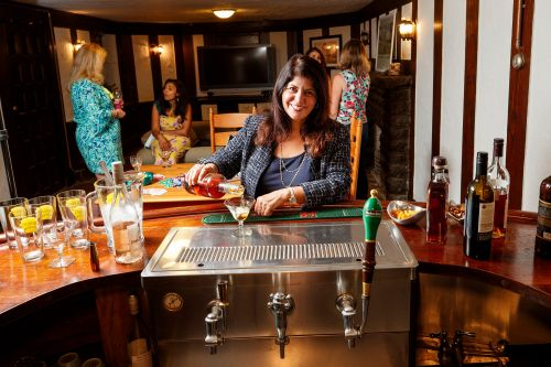 Houses with swanky built-in bars quench pandemic thirst for going out