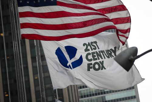 Disney increases bid for Fox, topping Comcast offer