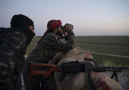 From Syria, Islamic State group slips into Iraqto fight another day