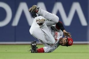 Matt Kemp put on IL by Reds because of broken rib