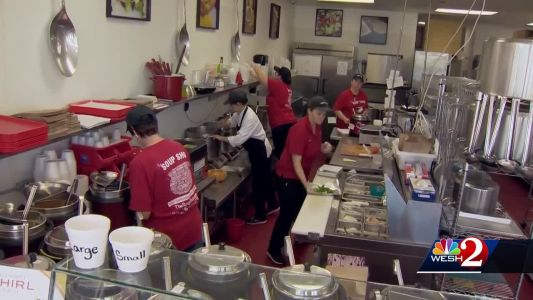 Popular Melbourne restaurant, customers help Coast Guard families affected by shutdown