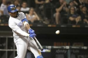 Royals pound 5 homers to beat White Sox