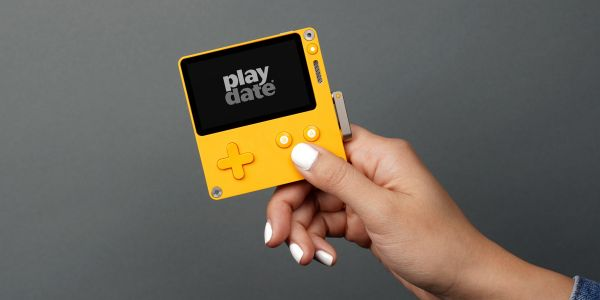 This tiny $150 video game console has a black-and-white screen and a hand crank, and people are already going crazy for it