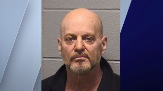 Bridgeview man arrested after allegedly soliciting undercover officer posing as 15-year-old boy