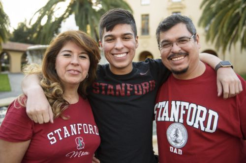 Stanford extends warm welcome to visitors during Family Weekend