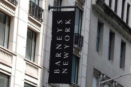 Barneys may cut hundreds of staffers within weeks