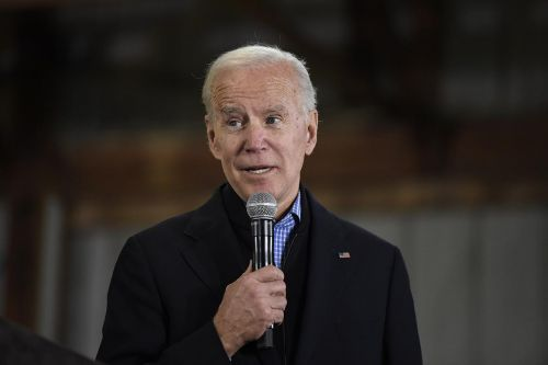 Biden pulls ahead in new Iowa poll