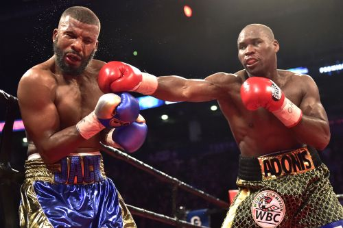Adonis Stevenson retains title in weakest way possible
