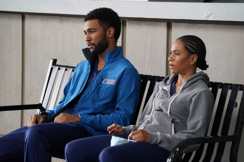"""'Grey's Anatomy' Fans """"In Pieces"""" Over Emotional Racial Injustice Episode"""