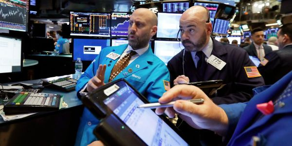 Global stocks tumble as investors dump risk with COVID-19 cases rocketing and no US stimulus deal