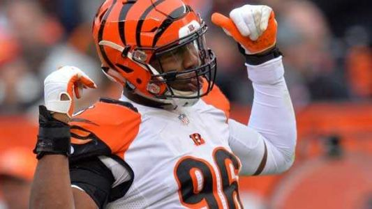 Report: Bengals' Carlos Dunlap told to stay home as team discusses his future