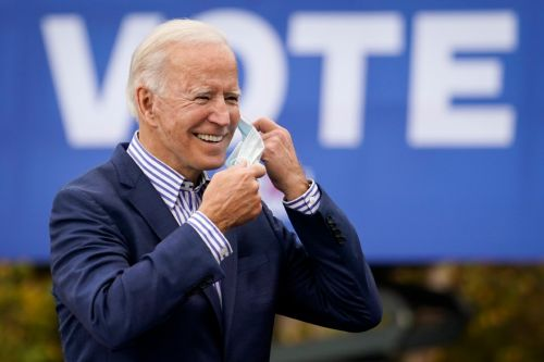 Biden leads slightly in Texas, poll indicates