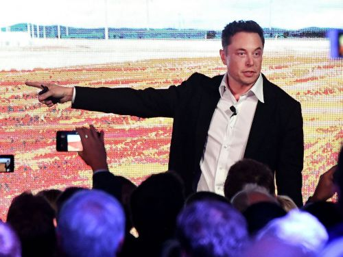 A former Tesla investor explains why he thinks Elon Musk is the wrong person to lead the company, why he dumped the stock, and what he's now buying instead