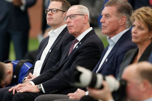 Former Giants coach Tom Coughlin breaks ribs, punctures lung in bike accident