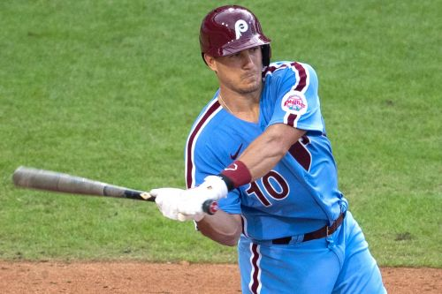J.T. Realmuto staying with Phillies on $115.5 million contract