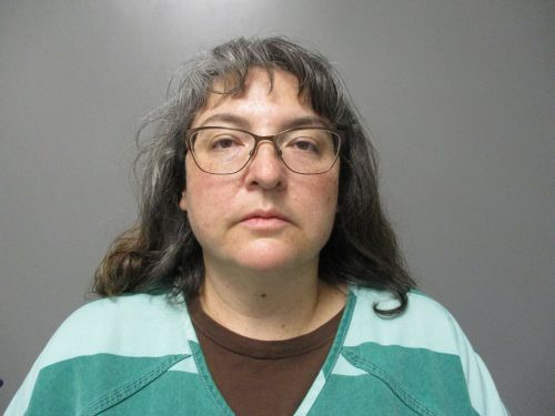 Police: Children found living in filthy conditions, Iowa mother charged