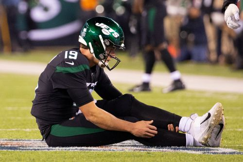 Trevor Siemian out for the season as Jets QB issues somehow get worse