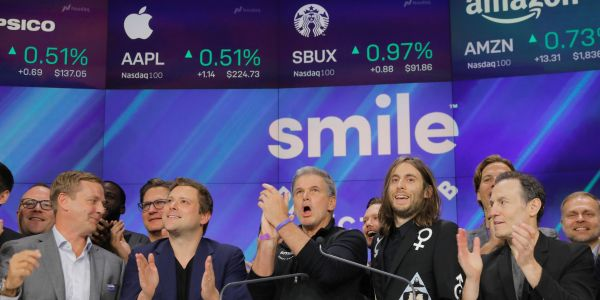 SmileDirectClub tanks after short-seller tweets that its stores were raided by the Dental Board of California