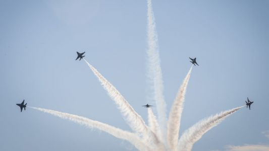 Delays, disappointment after inclement weather affects Milwaukee Air & Water Show
