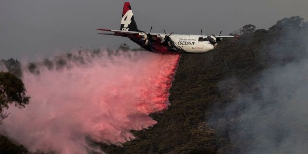 3 killed when a large air tanker crashed in Australia while attempting to put out bushfires