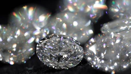 Indian jewelers say dropping import duties on Russian diamonds will boost bilateral trade