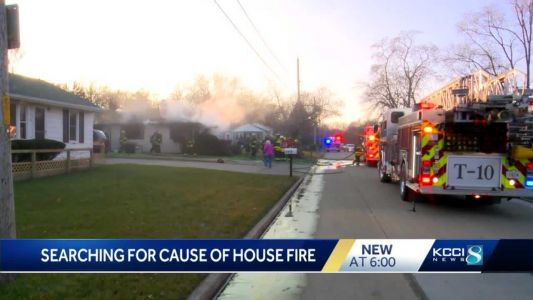 Des Moines home fully engulfed in house fire