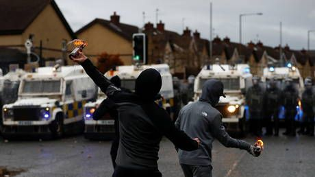 Northern Ireland's Loyalist Communities Council says none of their associated groups involved in recent violence
